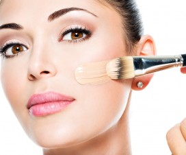 richitge-make-up-fur-unsere-gesichtshaut