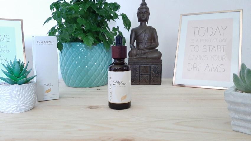 Nanoil mit Aloe Vera und weißem Tee Gesichtsserum